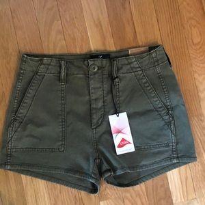American Eagle 00 Vintage Hi-Rise Shorts